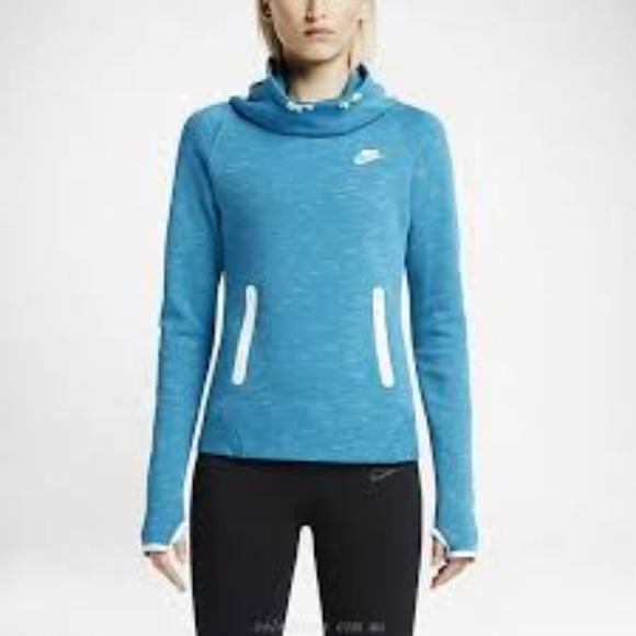 Women s Nike Training Tech Fleece Hoodie. M 5b7ef1867386bce82ec2f0fc 2372d7fd6